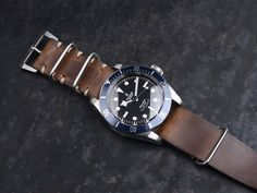 2ea8f0b0dd2 B&S Hand-made Siena Leather Nato Strap 22mm Seiko Diver, Watches  Photography, Nato