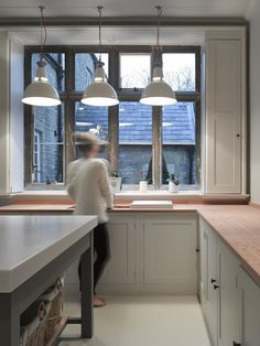 Trainspotters.co.uk - Dunlop lights looking great in this Oxford Kitchen http://www.trainspotters.co.uk/products/lighting/dunlop-pendant-light-white