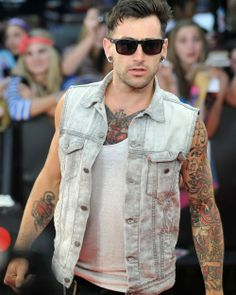 Jacob Hoggard I love his tattoos. Jacob Hoggard, Pretty People, Beautiful People, Pretty Men, Celebs, Celebrities, How To Look Better, Hot Guys, Eye Candy
