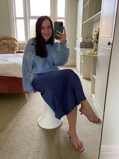 The 9 Best Clothing Styles for Petite Women | Who What Wear UK Meghan Markle Outfits, Meghan Markle Style, Boho Fashion, Fashion Outfits, Shearling Slippers, Floaty Dress, Petite Women, Petite Dresses, Short Girls