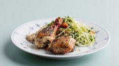 Kyllingelår med asian slaw og ris