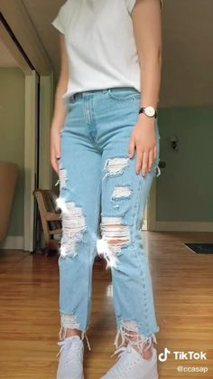 How To Make Ripped Jeans, Black Ripped Jeans, Ripped Jeans For Girls, Diy Ripped Jeans Tutorial, Black Ripped Mom Jeans, Holey Jeans, Diy Jeans, Torn Jeans, Diy Clothes Hacks