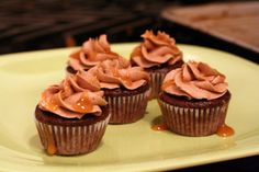 Baa Baa, Cupcake, Have You Any Frosting?: Snickers Cupcakes