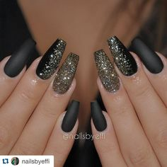 """Love these nails for the Fall/Winter Season #NRSistafeature ➰➰➰ @nailsbyeffi ・・・ Matte black gel with gold and black glitter❤❤❤"""