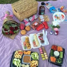 PERSONAL CHEF PICNIC FOR TWO I DOES IT ALL #HEALTHY #LIVINGHEALTHYLUNCHBOXESANDCATERING by livinghealthylunchboxes