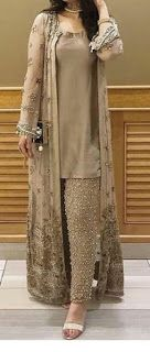 Ideas fashion dresses casual pakistani for 2019 Party Wear Indian Dresses, Pakistani Fashion Party Wear, Pakistani Wedding Outfits, Indian Gowns Dresses, Dress Indian Style, Pakistani Dress Design, Indian Fashion, Dress Party, Party Wear Kurtis