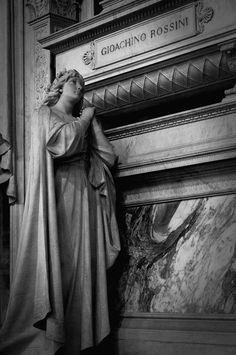 Tomb of Gioachino Rossini, Basilica di Santa Croce, Firenze, Italy 피렌체 산타 크로체 대성당 작곡가 로시니의 무덤
