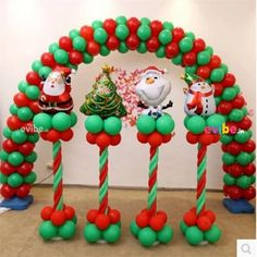 Welcome the Christmas cheer with the loveliest Christmas balloon decorations. Explore the innovative Christmas decorations round up with mesmerizing balloon décor. Christmas Balloons, Indoor Christmas Decorations, Christmas Mood, Noel Christmas, Balloon Decorations, Birthday Decorations, Christmas Gift Box, Christmas Crafts, Christmas Ornaments
