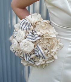 Модный букетик из ткани