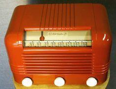 1940 RCA Bakelite Radio