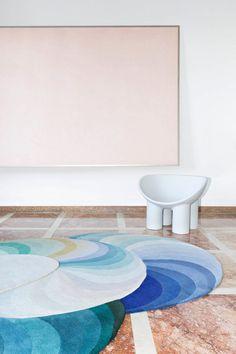 Patricia Urquiola - Triple Slinkie rugs at Villa Panza, styling Greta Cevenini, photo by Beppe Brancato Patricia Urquiola, Carpet Decor, Rugs On Carpet, Carpets, Hall Carpet, Carpet Stairs, Unique Rugs, Modern Rugs, Modern Interior Design