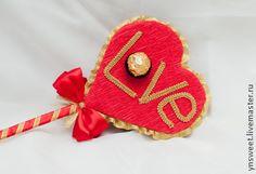 Сердце из конфет - Валентинка. Скоро прекрасный праздник День влюбленных!  Подарите своей половинке творческий сладкий и уникальный подарок!!!  Прекрасное яркое сердце состоит из 9 конфет Ферреро Роше.