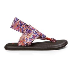 Sanuk Women's Yoga Sling 2 Prints Sandals Spiced Coral Rain and Cleaner Bundle -- Discover this special outdoor gear, click the image - Yoga Sandals Yoga Sandals, Cute Casual Shoes, Flat Boots, Outdoor Gear, Uggs, Autumn Fashion, Coral, Just For You, Flats