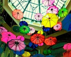 Vegas Umbrellas - ©Susan Stone / SusansPhotoArt (via Etsy)