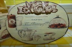 Tabla reciclada como cuadrito de cocina, decorado con decocupage, transfer y copete de escayola