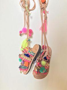 Mini Pom Pom sandals