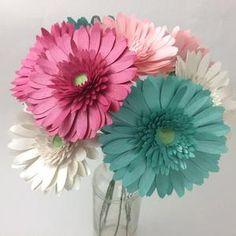 Tissue Paper Flowers Giant, Paper Dahlia, Paper Sunflowers, How To Make Paper Flowers, Paper Flower Backdrop, Paper Flowers Diy, Paper Roses, Big Flowers, Flower Svg