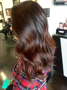 Blonde and dark brown hair color ideas. Top best Balayage hairstyles for natural black and brown hair. Balayage hair color ideas with blonde, brown, caramel. Top Balayage hairstyles to completely new look. Auburn Balayage, Balayage Brunette, Hair Color Balayage, Ombre Highlights, Caramel Balayage, Balayage Hairstyle, Subtle Balayage, Caramel Blonde, Brown Hair Red Balayage