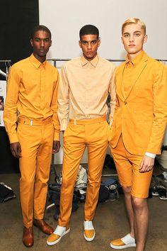 Marco da Moda: O que acharam da cor desses looks? Dandy Look, Looks Hip Hop, Monochrome Outfit, La Mode Masculine, Yellow Fashion, Mustard Fashion, Sweater Outfits, Dress Codes, Mens Suits