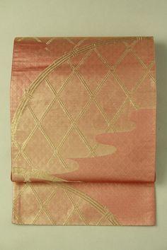 Shrimp pink fukuro obi / シュリンプピンク地 金の垣根柄 六通袋帯   #Kimono #Japan  http://www.rakuten.co.jp/aiyama/