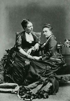 Victoria e Beatrice . Mais velha e mais nova