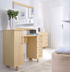 Dream - Dressing Table with bright colors