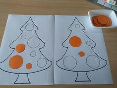 Oefening op meten. Kerstballen sorteren volgens grootte. Leg de kerstbal op de juiste plaats. Differentiatie: 2 of 3 afmetingen *liestr*