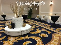 Our circular pillar setting creates a lounging area that takes you back to the roaring 20's!