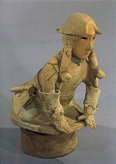 The Kofun period Haniwa terracotta clay figure of man with a… Japanese Pottery, Japanese Art, Unusual Art, Clay Figures, Prehistory, Ancient Artifacts, Ancient Civilizations, Asian Art, Archaeology