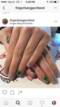 Very On-Trend Alien Nail Art Tutorial Funky Nails, Cute Nails, Alien Nails, Unicorn Nails Designs, My Hair, Finger, Hair Beauty, Nail Art, Turquoise