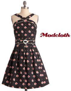 This dress is adorable! #modcloth #dress #flowerprint