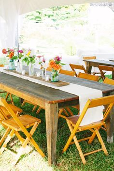 Casual Outdoor Tented Wedding Reception   Photography: Katie Stoops Photography