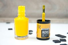 Swatches zum Maybelline Color Show 749 Electric Yellow  #nailpolish #nagellack #maybelline #maybellinecolorshow