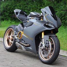 Ducati Оцени/Rate 1-10 __ tags: #moto #motorcycle #motorcycles #ducati #suzuki #yamaha #мото #мотоцикл #мотоциклы #мотожизнь #байк #motocycle #motocross #ktm #motorbike #biker