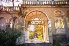 Old sanatorium // Tskaltubo // Georgia Abandoned Mansions, Abandoned Places, Travel Pictures, Travel Photos, South Ossetia, Urban Exploration, Travel Bugs, Resort Spa, Photo Art