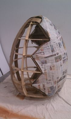 How to make a giant paper-mache egg Step a solid model As a first step, I used Autodesk Inventor to design a model of an egg, by ma. Paper Mache Diy, Making Paper Mache, Paper Mache Sculpture, Paper Clay, Diy Paper, Sculpture Ideas, Giant Easter Eggs, Dinosaur Eggs, Easter Eggs