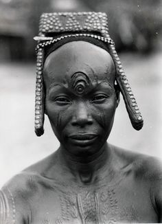 Africa | Bakutu woman. Tshuapa, Bodende, Belgian Congo (today, the Democratic Republic of Congo) | C. Lamote. ca. 1957