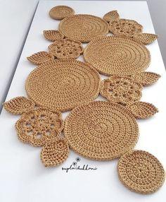 48 Trendy Crochet Table Runner Christmas Doily Patterns Knitting PatternsKnitting For KidsCrochet Hair StylesCrochet Ideas Crochet Tablecloth Pattern, Crochet Motifs, Crochet Doilies, Diy Crafts Crochet, Crochet Home Decor, Doily Patterns, Crochet Patterns, Crochet Ideas, Knit Rug