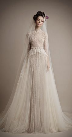 Top Wedding Dresses, Classic Wedding Dress, Wedding Dress Trends, Designer Wedding Dresses, Bridal Dresses, Wedding Gowns, Wedding Blog, Wedding Lace, Wedding Flowers