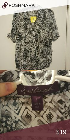 Gloria Vanderbilt Blouse, New, Small Multi color:black/gray/white. Arms fold with button closure. Brand new never worn. Gloria Vanderbilt Tops Blouses