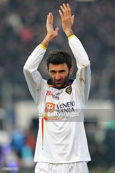 Gennaro Delvecchio of US Lecce salutes the crowd at the end of the Serie A match between Atalanta BC and US Lecce at Stadio Atleti Azzurri d'Italia...