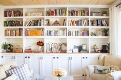 16 Fascinating Home Library Ideas to Capture Your Imagination - DIY and Craft Ideas & Home Decor Diy Bookshelf Wall, Diy Bookshelf Plans, Floor To Ceiling Bookshelves, Floor To Ceiling Cabinets, Bookshelves Built In, Bookcases, Diy Bookshelf Design, Kitchen Bookshelf, Fireplace Bookcase