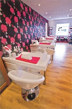 Polish Nail & Beauty, Scotland - nailsmag.com