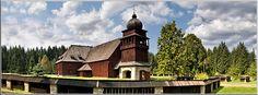 Tento celodrevený evanjelický kostol bol do katastra obce Svätý Kríž prenesený v rokoch 1974-1982 z Palúdze. Pôdorys kostola s dĺžkou 43 m má podobu kríža a ...