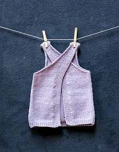 Ravelry: Maude Mini pattern by Julie Weisenberger