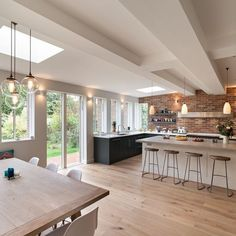 8 interior design large open plan kitchen diner extension 8 « A Virtual Zone Open Plan Kitchen Dining Living, Open Plan Kitchen Diner, Living Room Kitchen, Home Decor Kitchen, Home Kitchens, Dream Kitchens, Kitchen Wood, Kitchen Ideas, Kitchen Flooring