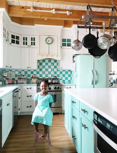 retro-inspired turquoise kitchen | Live Sweet Photography