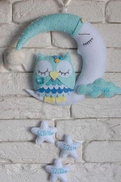 Toys from felt - master classes and patterns - Lexi Fletcher - Baby Crafts, Felt Crafts, Diy And Crafts, Baby Mobile, Felt Mobile, Sewing Crafts, Sewing Projects, Felt Banner, Diy Bebe