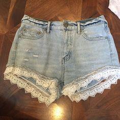 Free People Denim lacey shorts Light denim shorts with white lace Free People Shorts Jean Shorts