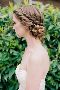 Wedding hairstyle idea; Featured Photographer: Megan Robinson Photography, Featured Hairstyle: Hair and Makeup by Steph